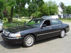 BLK95GAGTs 2003 Lincoln Town Car