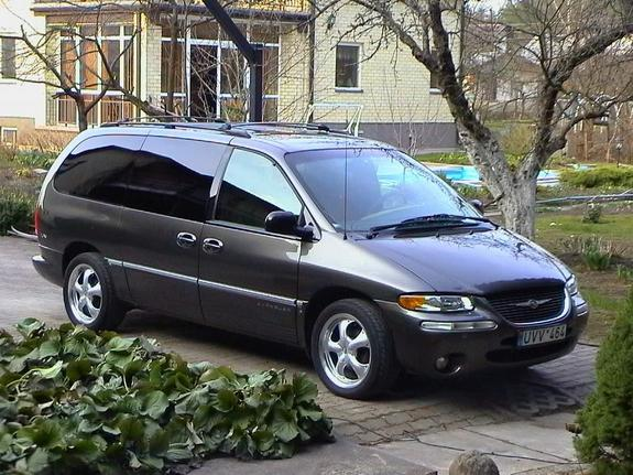 jokalamene 39 s 1998 chrysler town country in vilnius un. Black Bedroom Furniture Sets. Home Design Ideas