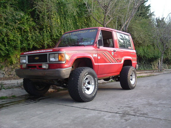 vampiroilegal's 1989 Isuzu Trooper