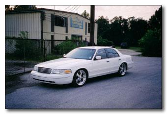 mikervic 1999 Ford Crown Victoria