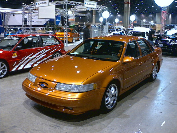 showya's 1994 Ford Taurus