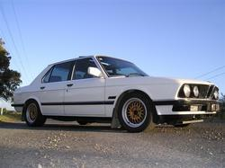 bmwsparkle 1986 BMW 5 Series