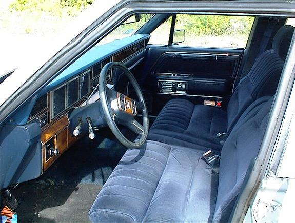 stclear 1989 lincoln town car specs photos modification info at cardomain. Black Bedroom Furniture Sets. Home Design Ideas