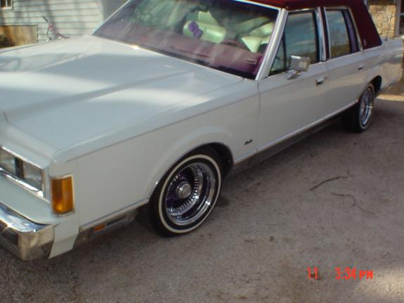 slamed87lincoln 1989 Lincoln Town Car 2318629