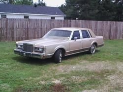 lincoln_master 1985 Lincoln Town Car