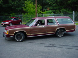 axj167 1989 Ford LTD Country Squire