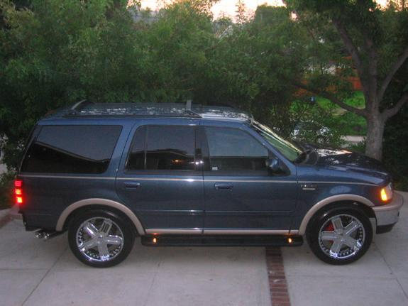 C32AMG13 1998 Ford Expedition
