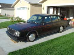 blown244 1985 Volvo 200-Series