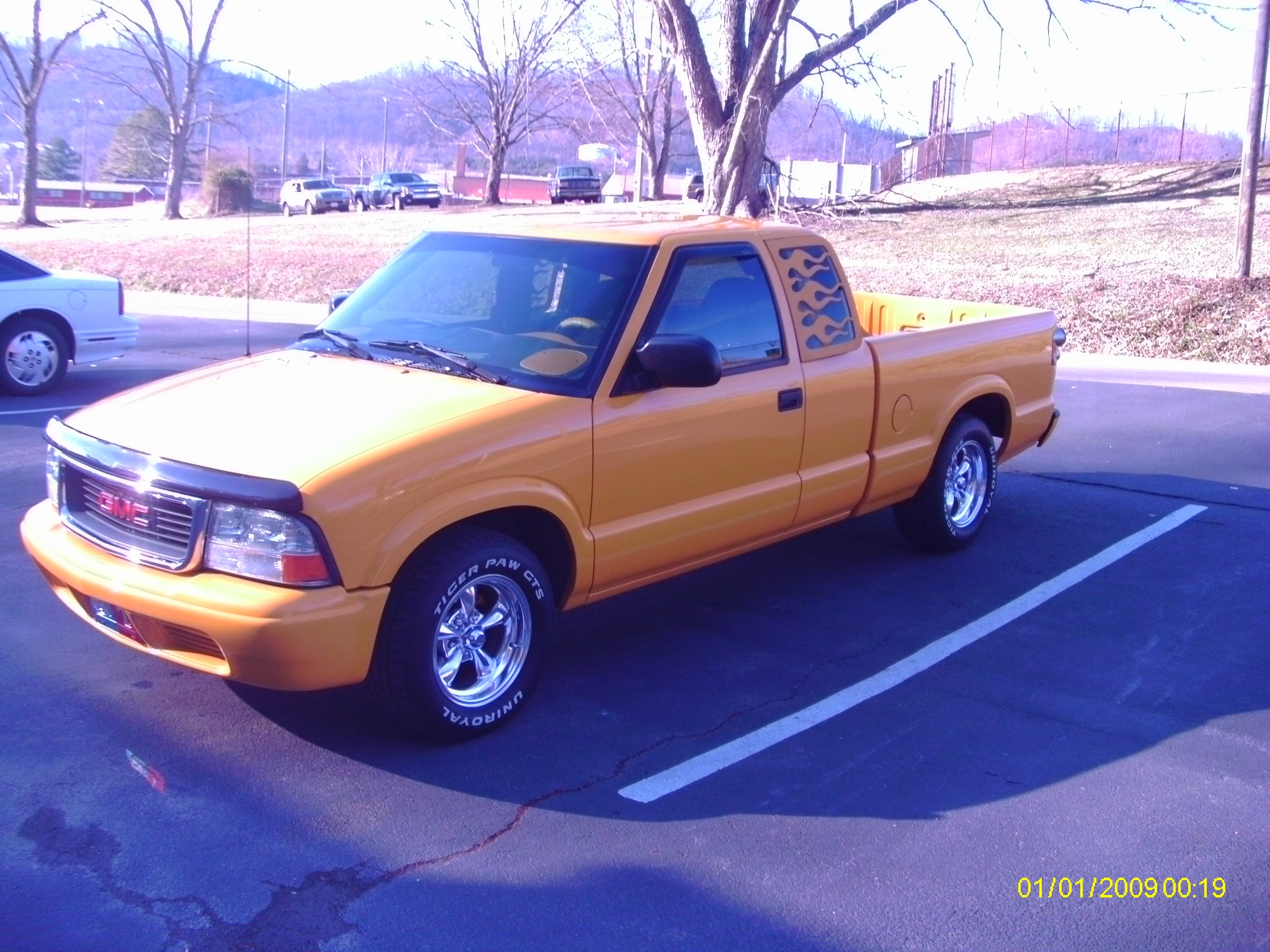 gonefishin82 2003 gmc sonoma extended cabsls pickup 3d 6 ft specs photos modification info at. Black Bedroom Furniture Sets. Home Design Ideas