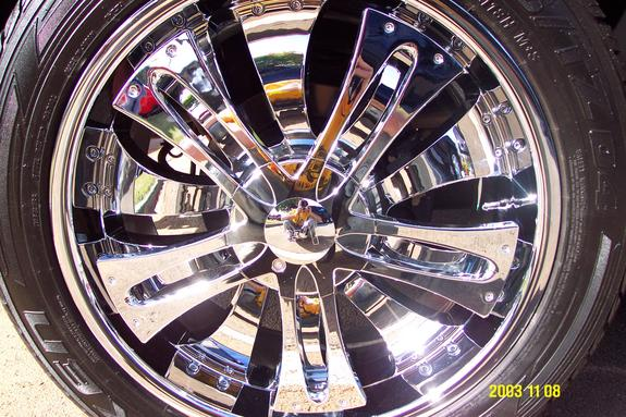 Another ALL_Black_H2 2004 Cadillac Escalade post... - 2692549