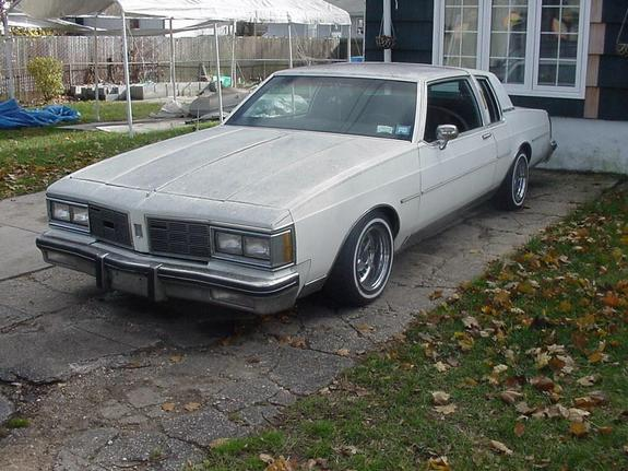 Another smkweeddaily 1983 Oldsmobile Delta 88 post... - 2723600