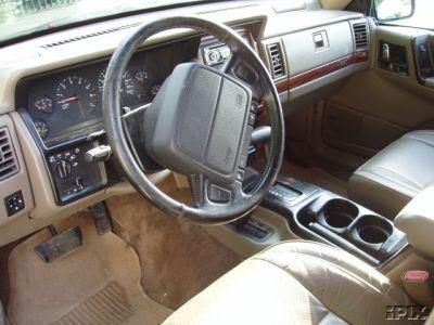 Gbjeep1 1993 jeep grand cherokee specs photos modification info at cardomain 1993 jeep grand cherokee interior