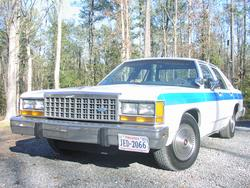 SnowOnDaMic 1987 Ford LTD Crown Victoria