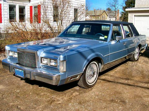 wd2hqrp 1984 lincoln town car specs photos modification info at cardomain. Black Bedroom Furniture Sets. Home Design Ideas