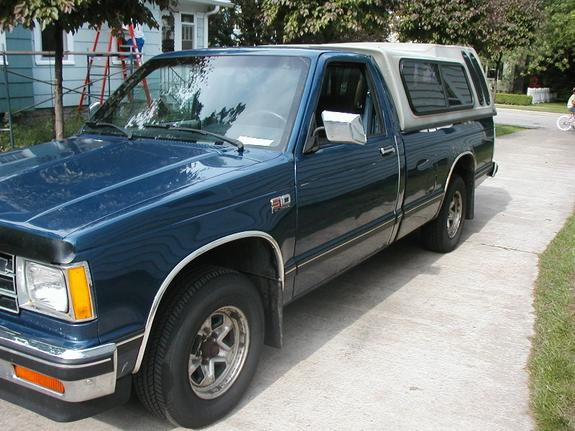 Another bluev8s10 1988 Chevrolet S10 Regular Cab post... - 3125945