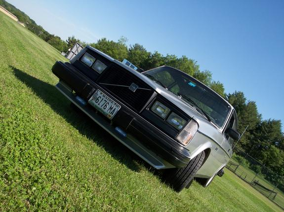 turbo242 1982 Volvo 200-Series