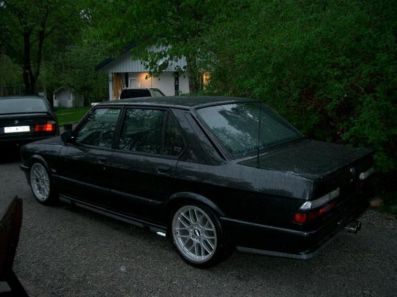 Another bmwe28driver 1988 BMW 5 Series post... - 3264985