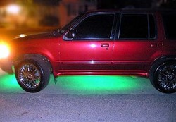 knicks644s 2000 Ford Explorer