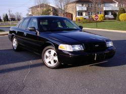 lddiazs 2003 Ford Crown Victoria