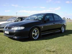 ravenvtsuper6 1998 Holden Commodore