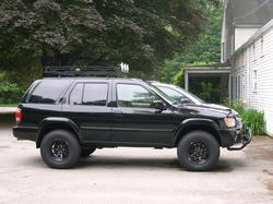 squam1s 2002 Nissan Pathfinder