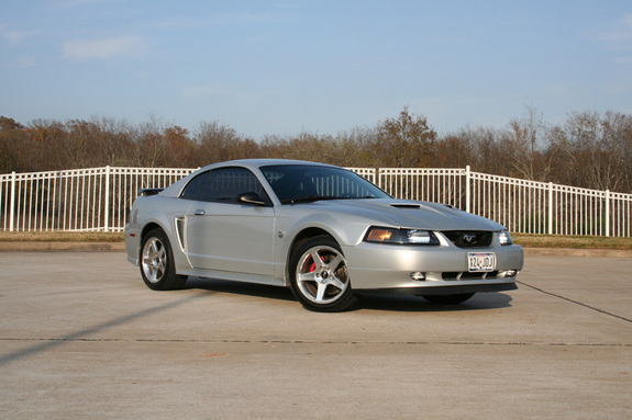 Intermision 2004 Ford Mustang