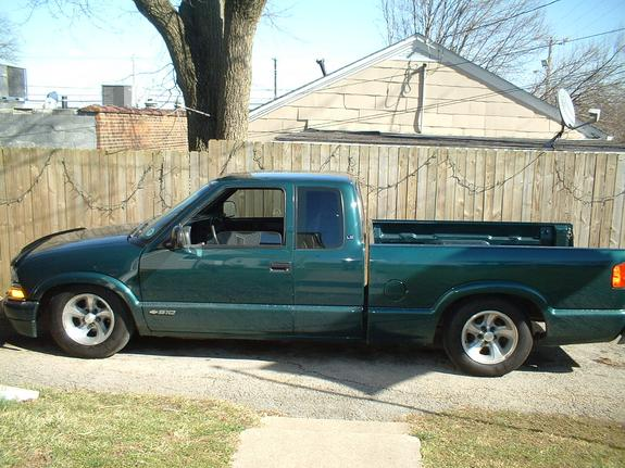 Another stalephotograph 1998 Chevrolet S10 Regular Cab post... - 3621677