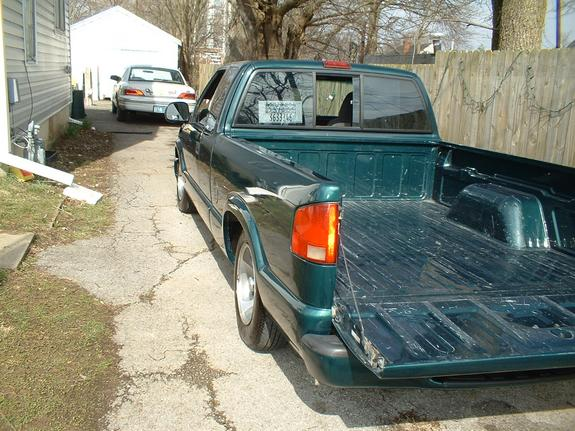 Another stalephotograph 1998 Chevrolet S10 Regular Cab post... - 3621692