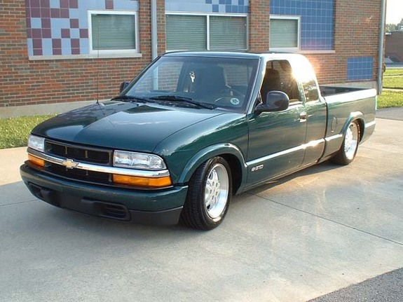 Another stalephotograph 1998 Chevrolet S10 Regular Cab post... - 3621717