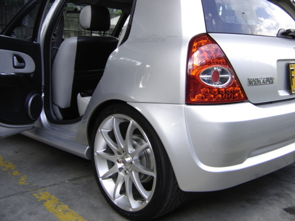 maotuned 2004 Renault Clio 3678193