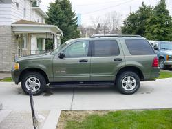 Heyben811 2004 Ford Explorer