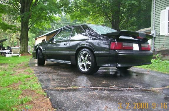 Obsol3te's 1992 Ford Mustang