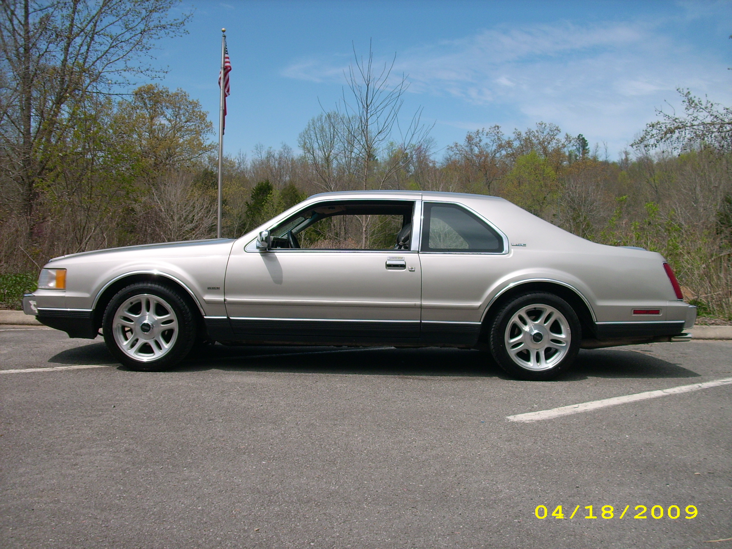 cb400f75's 1989 Lincoln Mark VII