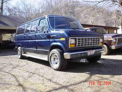 Dennis460 1985 Ford Club Wagon