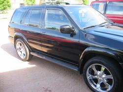 chris_bird14 2002 Nissan Pathfinder