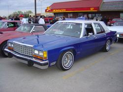 dlow12 1984 Ford LTD Crown Victoria