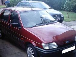 fiestie_chicks 1993 Ford Fiesta