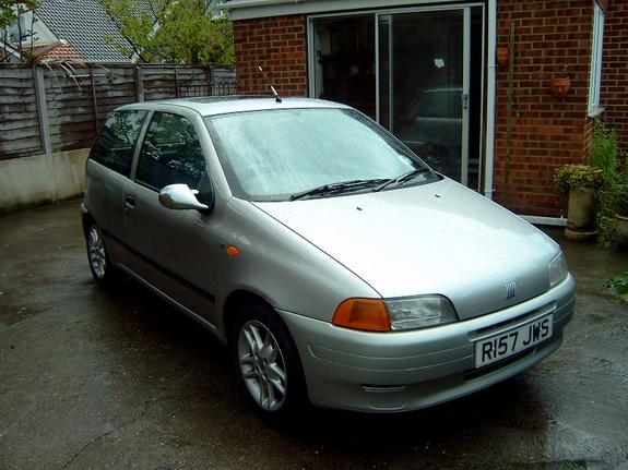 kianis 39 s 1999 fiat punto in hartlepool un. Black Bedroom Furniture Sets. Home Design Ideas