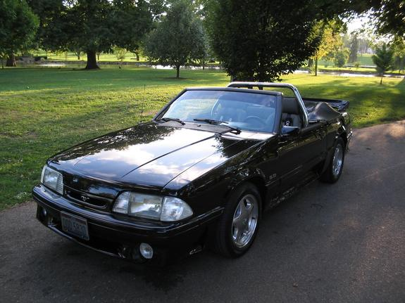 dls322 1988 Ford Mustang 4369540