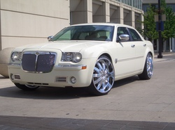 ohanthonyon22s 2005 Chrysler 300