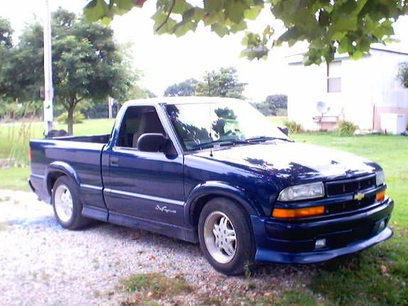 chadsxtremesdime 2001 chevrolet s10 regular cab specs photos modification info at cardomain. Black Bedroom Furniture Sets. Home Design Ideas
