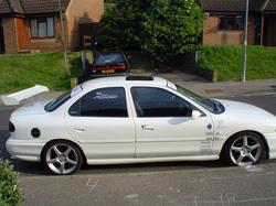 Howie_B 1993 Ford Mondeo