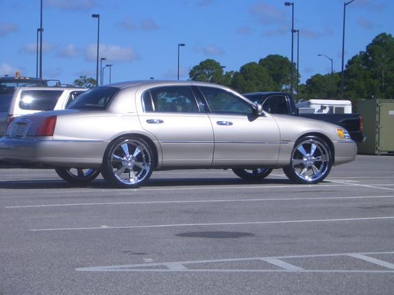 1bigreg2 2001 Lincoln Town Car Specs Photos Modification Info At