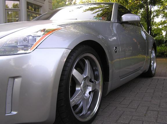 Another oniiz 2004 Nissan 350Z post... - 4546082