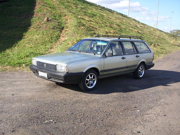 Another severo 1988 Volkswagen Quantum post... - 4590460