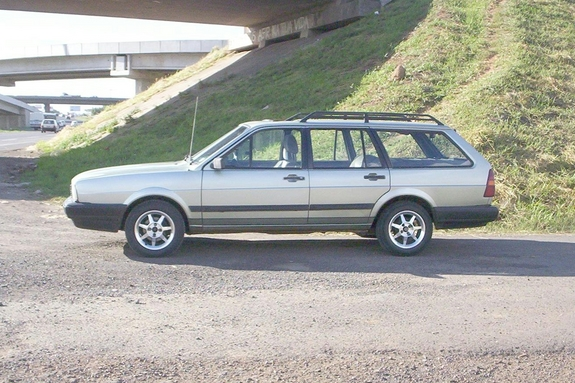 Another severo 1988 Volkswagen Quantum post... - 4590462