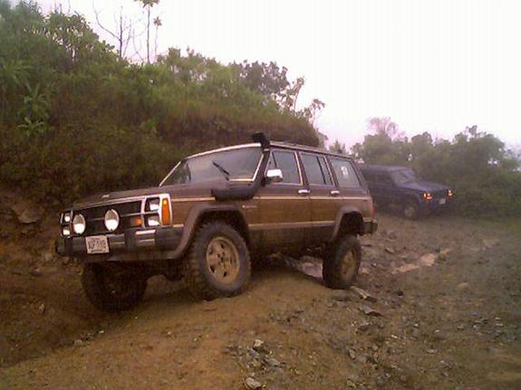 Another grandche 1988 Jeep Wagoneer post... - 4655835