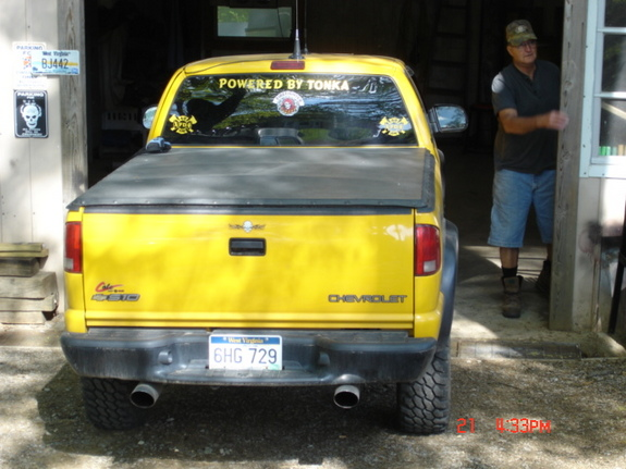 Another 50614 2003 Chevrolet S10 Regular Cab post... - 4672434