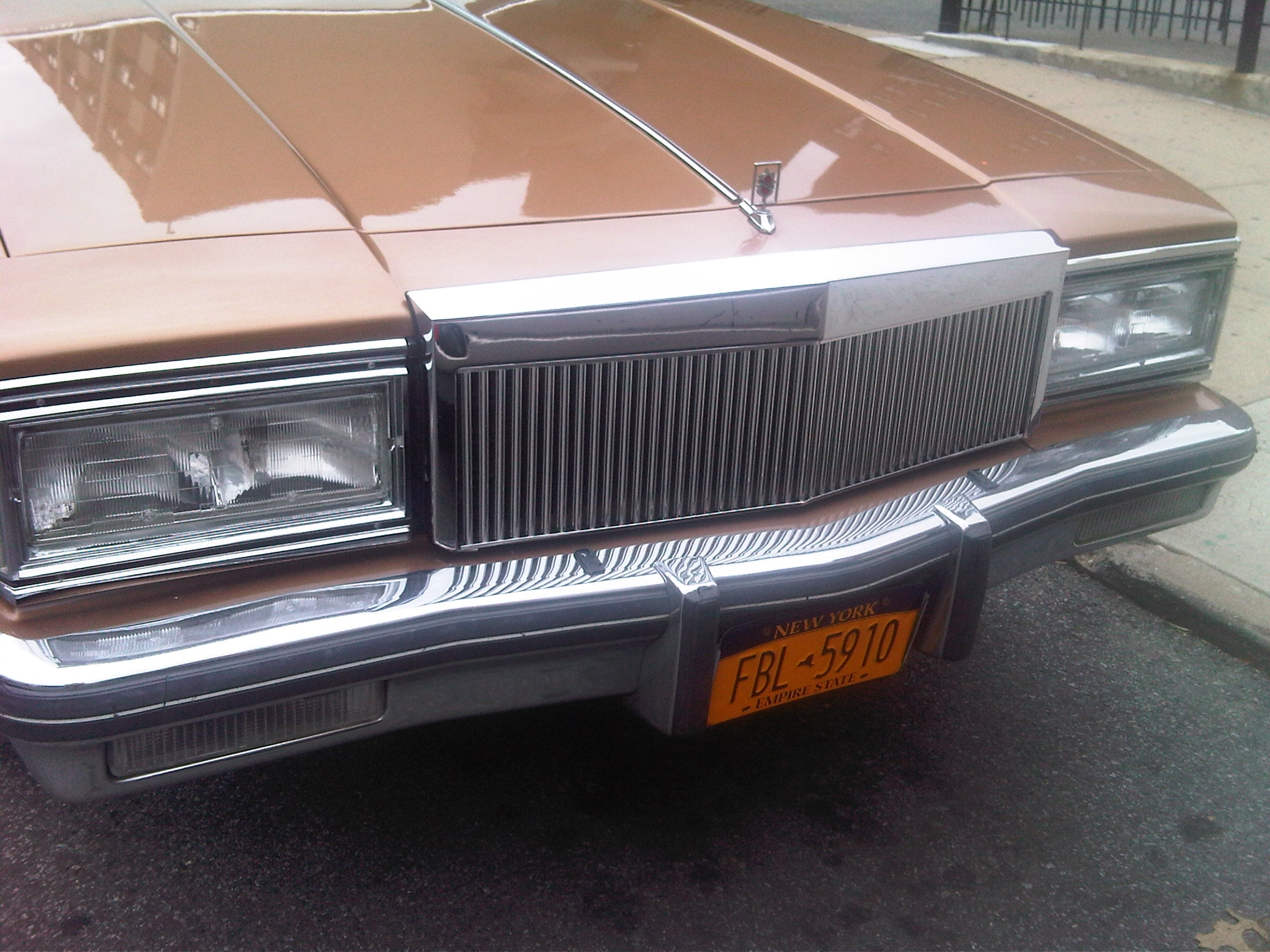 Another cusos 1985 Oldsmobile Delta 88 post... - 4751403
