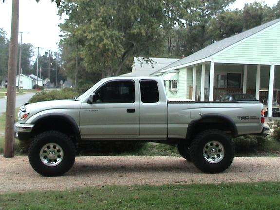 hghntght 2004 toyota tacoma xtra cab specs photos modification info at cardomain. Black Bedroom Furniture Sets. Home Design Ideas